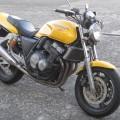 CB400SF(イエロー)